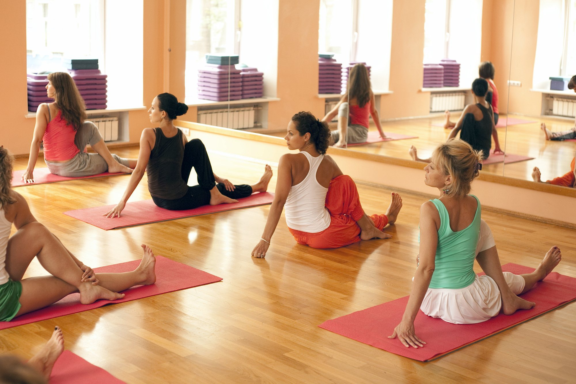 Why People Should Try Out Yoga Fitness Classes